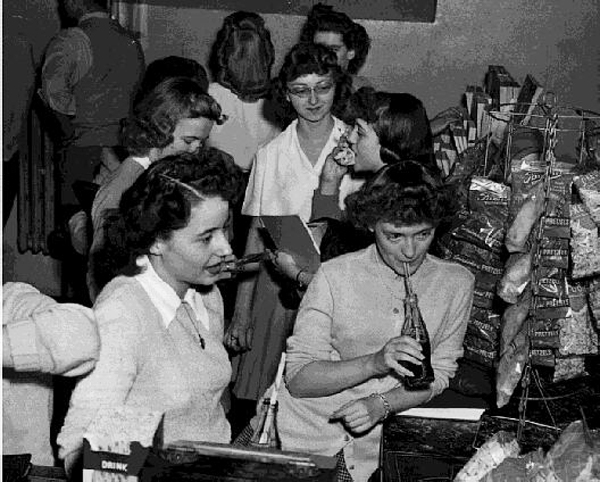 Students socialize in the Student Union in Libbey Hall, ca. 1950.